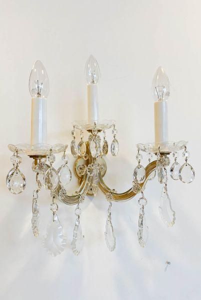 Wandlampe mit Kristallanhängern