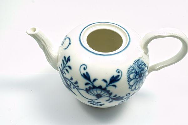 Meissen kleine Teekanne 1. Wahl Zwiebelmuster