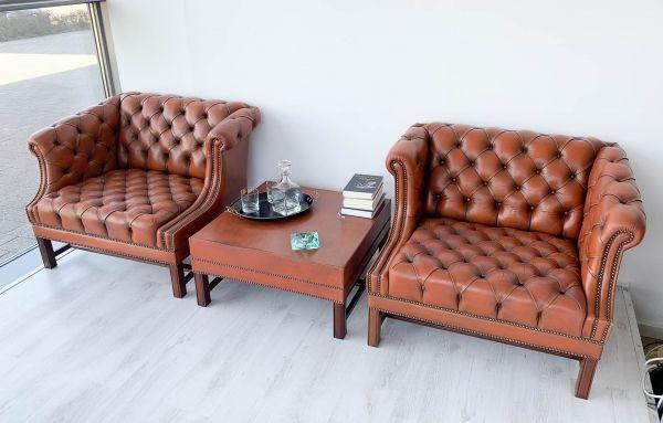 Chesterfield 2 Sessel mit Tisch